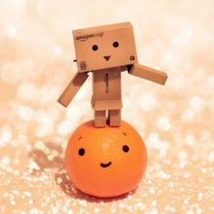 Cute Clipboard Danbo : Part 4 Danbo, Miss Piggy, Queen Frostine, Box Robot, Amazon Box, Cute Cartoon Pictures, Love Box, Sweet Soul, Little Boxes