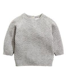 BABY EXCLUSIVE& Sweater in a soft, organic cotton textured knit. Buttons at back of neck, long raglan sleeves, and ribbing at neckline, Newborn Outfits, Boy Outfits, Baby News, Manga Raglan, Pull Bebe, Baby Pullover, Cotton Texture, Moss Stitch, Baby Kids Clothes