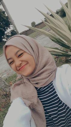 Casual Hijab Outfit, Ootd Hijab, Girl Hijab, Hijab Chic, Hijab Bride, Modern Hijab Fashion, Street Hijab Fashion, Pashmina Hijab Tutorial, Ideal Girl