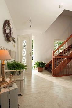Fertighaus Wohnidee Diele, Flur und Galerie kompaktes Landhaus