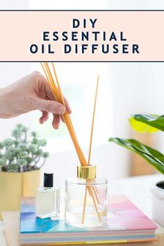 First Home Decoration This easy DIY reed diffuser is the perfect budget-friendly way to keep your house smelling naturally fresh! Home Decoration This easy DIY reed diffuser is the perfect budget-friendly way to keep your house smelling naturally fresh! Diy Essential Oil Diffuser, Essential Oils, Diffuser Diy, Diffuser Blends, Minecraft, Diy Home Decor, Easy Diy, Dyi, Pink