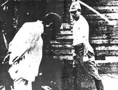 A Japanese soldier beheading a Chinese man in Nanjing Nanjing, Tinian Island, Nanking Massacre, Evil Person, Fight The Power, Bataan, Ww2 Pictures, Chinese Man, Lest We Forget