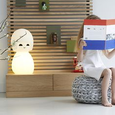 Kokeshi Lamp - great pufe and a nice wooden cupboard