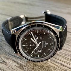 Omega Speedmaster Pro on a Jean Rousseau strap. - Omega Speedmaster Pro on a Jean Rousseau strap. Sport Watches, Cool Watches, Watches For Men, Omega Speedmaster Moon, Nato Strap, Watches Online, Fashion Watches, Watch Bands, Apple Watch