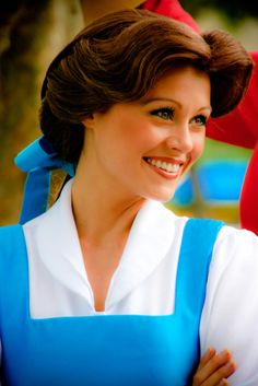 OMG - I got her autograph at Disney World!Belle - the Loveliest Disney Princess with the biggest heart Disney Magic, Gif Disney, Disney Pixar, Disney Theme, Disney Cosplay, Belle Cosplay, Belle Costume, Disney Costumes, Funny Disney Pictures