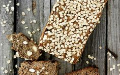 Rugkernebrød med abrikos og mandler