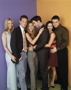 "Ross and Rachel cannot keep their hands off of each other. | 27 Rare Photos Of The Cast Of ""Friends"" Will Make You Wish It Was 1994 All Over Again"