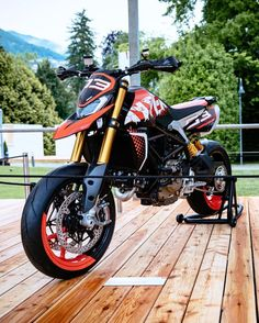 The jury of the Concorso d'Eleganza Villa d'Este 2019 has proclaimed Hypermotard 950 Concept the winner for the category Concept Bike Ducati Multistrada, Motocicleta Ducati Hypermotard, Ferrari Laferrari, Moto Bike, Motorcycle Bike, Motard Bikes, Ducati Cafe Racer, Z 1000, Motorcycle Wallpaper