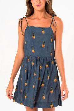 http://www.babadotop.com.br/vestido-farm-alca-lacinho-pine-239720azul/p