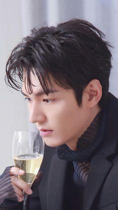 Asian Actors, Korean Actors, Korean Men, Lee Min Ho Smile, Heirs Korean Drama, Lee Min Ho Kdrama, Human Body Organs, Lee Min Ho Photos, Boys Over Flowers