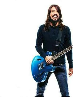 One of the very few people keeping Rock 'n Roll alive. Dave Grohl's Pelham Blue finish on a body with Trini Lopez diamond f-holes is a masterpiece in both function and beauty. Foo Fighters Dave Grohl, Foo Fighters Nirvana, Beautiful Men, Beautiful People, There Goes My Hero, Taylor Hawkins, Rock N Roll, Jimi Hendrix, Mode Style