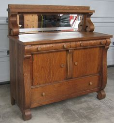 Details about antique quarter sawn oak buffet sideboard Oak Sideboard, Redo Furniture, Oak Furniture, Beautiful Furniture, Traditional Sideboard, Furniture Hacks, Furniture Rehab, Cool Furniture, Victorian Furniture