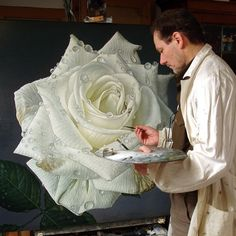 Artist Gioacchino Passini takes an ordinary blank canvas and transforms it into a larger-than-life garden of dewdrop-covered roses. The petals appear Art Floral, Realistic Paintings, Amazing Paintings, Botanical Art, Art Techniques, Artist At Work, Art Tutorials, Painting Inspiration, Painting & Drawing