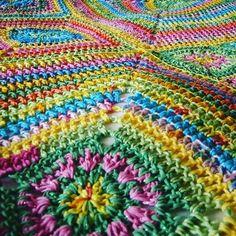 #crochetblanket #crochetafghan #crochetaddict #colouraddict #crochetpattern #grannysquare #grannysquares #thesunroomuk ##crochetersofinstagram #instacrochet #ilovegrannysquares #crochetlove #grannytastic #grannymania #ilovecrochet #ilovecolour #etsyshop #etsyseller #etsyshopowner by thesunroomuk