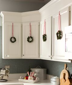 Christmas Kitchen Wreaths Via All Started With Paint Decor The Coziest Year  Ideas Inspire Your. Hütte WeihnachtsdekorationUrlaub ...