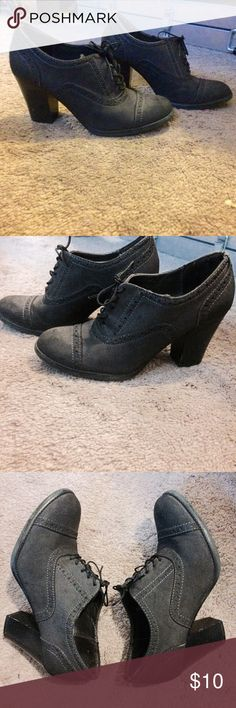 2FOR$12HP!!!!Oxford Stacked Heels Adorable and comfortable oxford style shoes with stacked heels. Used with some scuffs but beautiful shoes!! Mossimo Supply Co Shoes Heels