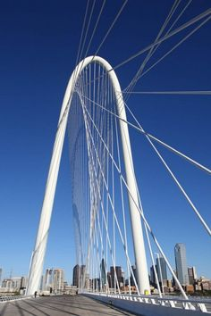 This beautiful architectural work, the Margaret Hunt Hill Bridge spans the Trinity River and Dallas Floodway in Dallas Texas. It was designed by Valencian architect and engineer Santiago Calatrava. Architecture Magazines, Chinese Architecture, Futuristic Architecture, Architecture Office, Bridge Engineering, Cable Stayed Bridge, Awsome Pictures, Trinity River, Steel Bridge