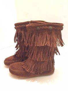 MINNETONKA Girls YouthBrown Suede 3-Layer Fringe Moccasin Boots Shoes Sz 2  #Minnetonka #MoccassinBoots