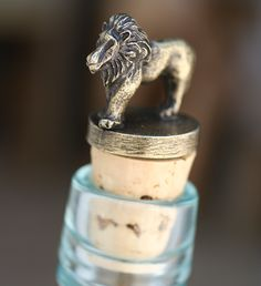 Top off your favorite wine with your favorite African animal! Offered in a variety of animals; from South Africa. #WineStoppers #Lions