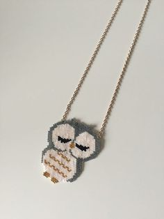Long Necklaces, Owl Necklace miyuki is an original creation by brinou on DaWanda Seed Bead Patterns, Beaded Jewelry Patterns, Bracelet Patterns, Beading Patterns, Seed Bead Crafts, Homemade Necklaces, Motifs Perler, Beaded Animals, Bijoux Diy