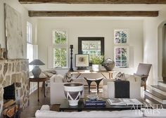 This beautiful Buckhead house is designed by Eleanor Roper for her longtime friends, the owners of a home furnishings and accessories bouti...