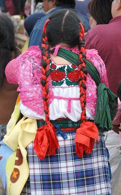 Zapotec Woman Oaxaca by Teyacapan - plaid shirting Mexico Fashion, Mexican Outfit, Hair Ribbons, Plaid Fabric, Ballet, People Around The World, Braided Hairstyles, How To Look Better, Wrap Skirts