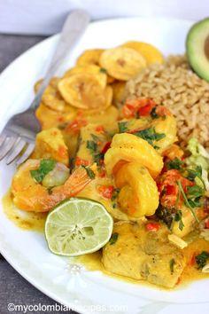 Encocado de Pescado y Camarón (Fish and Shrimp in Coconut Sauce)