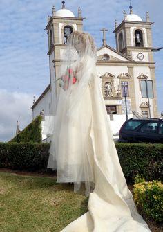 É um álbum formado por fotografias  de espantalhos criados aquando da realização do Mercado à Moda Antiga em Oliveira de Azeméis - Portugal