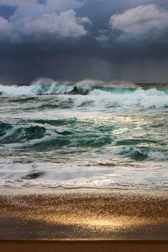 Stormy seas in Sydney : Damnthatsinteresting Tumblr Landscape, Landscape Photos, Waves Photography, Real Estate Photography, Aerial Photography, Beauty Photography, Street Photography, Portrait Photography, Fashion Photography