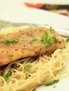 Mi ricorda il pesce alla mugnaia Findus in versione pollo, magari è buono ma assolutamente senza spaghetti!