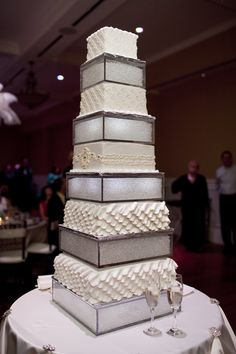 Wedding Cake with illuminated cake risers!! Makes your cake look twice as big