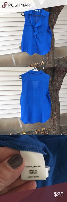 💙💙 Blue Blouse 💙💙 Blouse is in excellent condition. No snag in material & no signs of wear. Blouse has ruffle design front MK New York & Company Tops Blouses