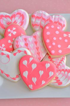 Our favorite recipe for strawberry cupcakes, topped with sugar cookie hearts! The perfect Valentine's Day dessert. Valentine's Day Sugar Cookies, Fancy Cookies, Iced Cookies, Cute Cookies, Pink Cookies, Vanilla Cookies, Valentines Day Cookies, Valentine Cupcakes, Valentine Recipes