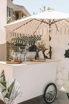Dec 2019 - We're so in love with this sunshine meets citrus baby shower. The chic boho details paired with bright orange hues gave us all the heart eyes. Festa Party, Shower Inspiration, Event Styling, Event Decor, Event Design, Event Planning, Backdrops, Dream Wedding, Wedding Centerpieces