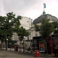 Eine Stunde Aufenthalt in Hamburg reicht für eine Tüte Franzbrötchen und um ein wenig Hamburger Luft zu schnappen ❤