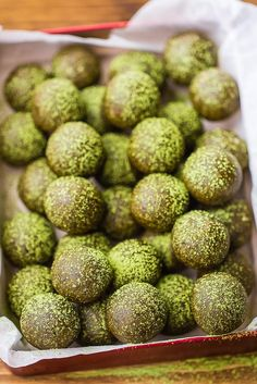 Matcha bliss balls are sweet treats dusted with the beautiful bright green matcha powder – with all its health benefits!