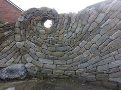 Dry stack wall by Jo