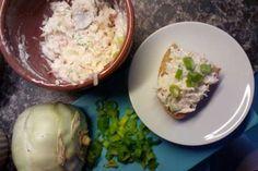 Jak na kedlubnovou tvarohovou pomazánku | recept Mashed Potatoes, Smoothies, Eggs, Breakfast, Ethnic Recipes, Food, Smoothie, Morning Coffee, Smash Potatoes