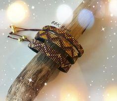 Bracelet triple tissage en perles Miyuki délicas tissées à la main.