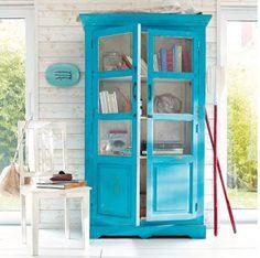 Si estás cansada de algún mueble que tengas por casa con una manita de pintura podemos renovarlo por completo.