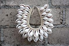LIVRAISON dans le monde de 10USD Papouasie collier avec véritable coquillage, décoration de la maiso