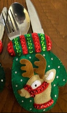 bucilla dropping in 6 pce felt christmas ornament kit - PIPicStats Felt Crafts, Diy And Crafts, Christmas Crafts, Felt Decorations, Christmas Tree Decorations, Felt Christmas Ornaments, Christmas Stockings, Homemade Christmas Gifts, Christmas Diy