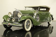 1932 Duesenberg Touring Car - (Duesenberg Automobile & Motors Company, Inc. Auburn, Indiana,1913-1937)