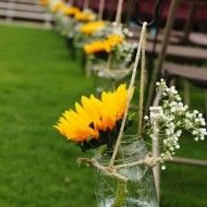 Mason jars with wedding flowers along the aisle are a big trend. These Sunflower… – Best Wedding Ceremony Ideas Wedding Ceremony Ideas, Outside Wedding Ceremonies, Fall Wedding, Rustic Wedding, Our Wedding, Dream Wedding, Trendy Wedding, Wedding Table, Outdoor Ceremony