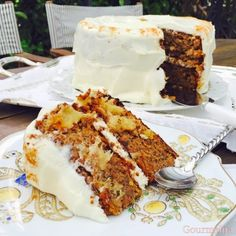Monkey or Hummingbird cake. Cheesecake Cake, Brownie Cake, Brownies, Hummingbird Cake, Cooking Cake, Cook Up A Storm, Cake Cookies, Nutella, Delish