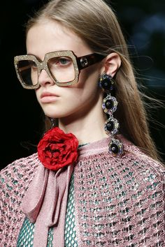 74f688a363 Gucci Spring 2016 Ready-to-Wear Accessories Photos - Vogue Gucci Fashion
