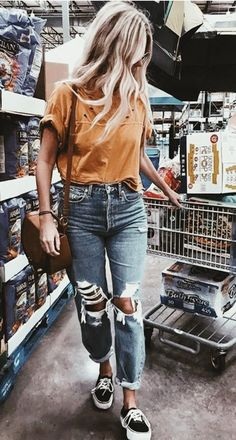 boyfriend jeans mustard distressed boyfriend jean vans platform sneakers The post boyfriend jeans appeared first on Best Jean. Fashion Mode, Look Fashion, Womens Fashion, Fur Fashion, Fashion Fall, Ladies Fashion, Spring Outfits, Trendy Outfits, Fashion Outfits
