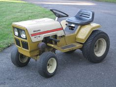 VINTAGE 1977 SEARS ST/10 LAWN GARDEN TRACTOR 10HP BRIGGS & STRATTON ENGINE #SEARS