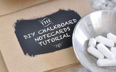 DIY - Schoolbord kaartjes. Super simpel, maar erg leuk! Lees de instructies op onze site. // Girls of honour