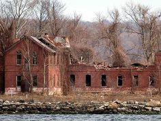 The Scariest Places in America   HART ISLAND, NEW YORK CITY   Many New Yorkers don't even know about this 101-acre island, which sits in the Long Island Sound and is part of the Bronx. Once a Nike missile base, the island has been home to prisoners and psychiatric inmates, and as the country's largest cemetery, is currently a mass burial site for the city's unclaimed and unidentified dead. Burials are handled by volunteer inmates from Riker's Island.